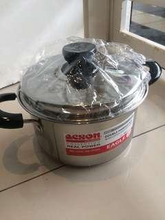 Eagle double handle pot