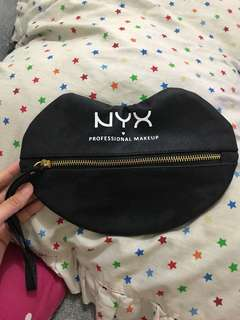 Pouch nyx