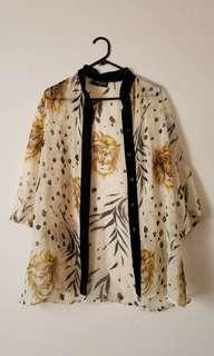 Vintage kimono - lion print with contrast trim