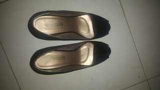 Black heels details