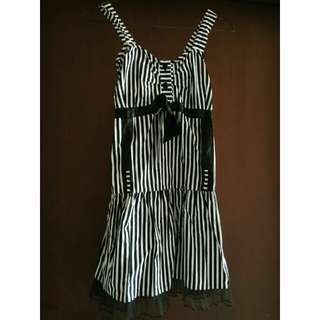 Chick dress black and white stripes