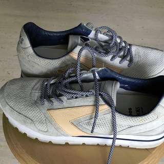 Brooks ATMOS Chariot shoes