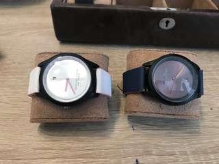 Sepasang Jam Tangan Marc Jacobs