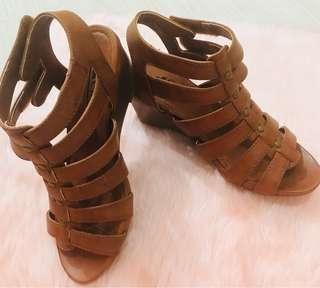 Cliffs Sandals-Tan