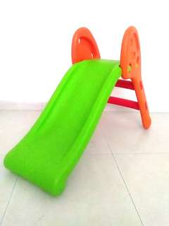 Gelonsor mainan kanak2