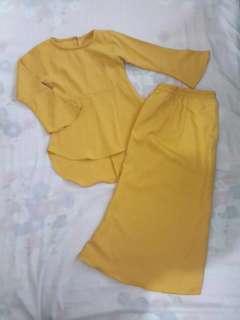 Baju raya mustard
