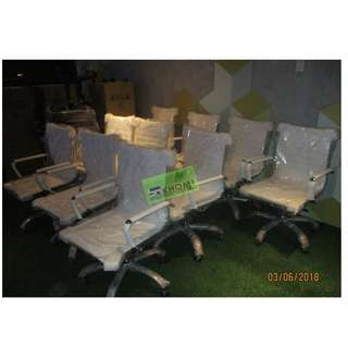 MC-701 MIDBACK OFFICE CHAIRS WHITE LEATHERETTE--KHOMI
