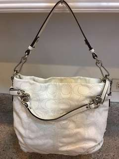 Preloved authentic coach shoulder bag in excellent condition