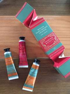 Crabtree & Evelyn Winter Hand Trilogy Cracker
