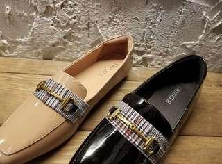 伐購韓國羊仔皮平底鞋(不包郵)