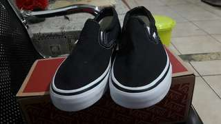 Vans slip on classic black