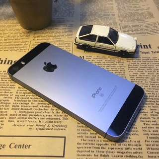 二手Iphone  SE 16G灰色