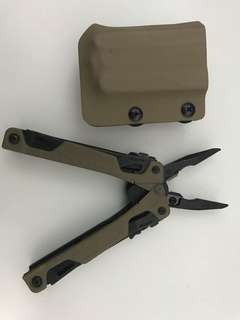 Leatherman OHT multi tool comes with kydex sheath