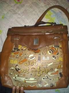 Preloved Art Fever backpack with serial number