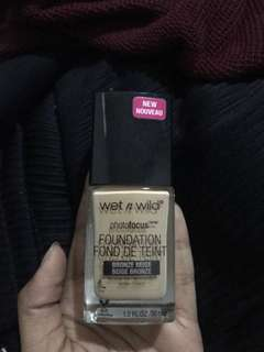 Foundation wet n wild photofocus shade bronze beige