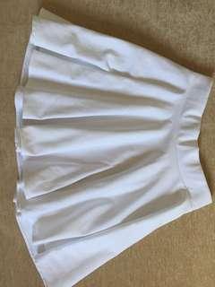 Skater skirt (color white only)