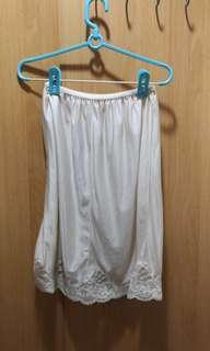 🚚 白襯裙