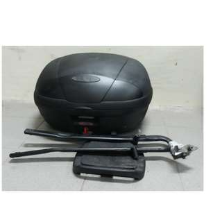GIVI blacket with box and Base Plate.