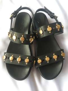 Trendy sandals with gold stud
