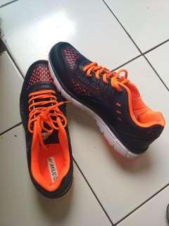 Akilic shoes sport, masih baru mulus harga murmer