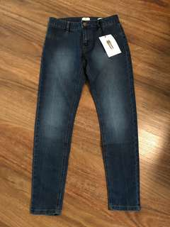 Sz 8 mid rise Cotton on jeans