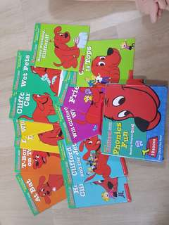 Clifford Phonics Fun Books