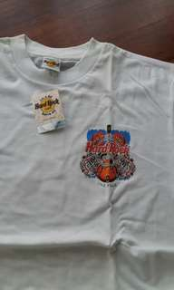 Authentic Hard Rock Cafe white tee The Peak Hong Kong