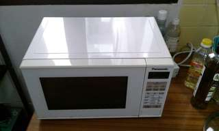 Microwave oven, moving out sale