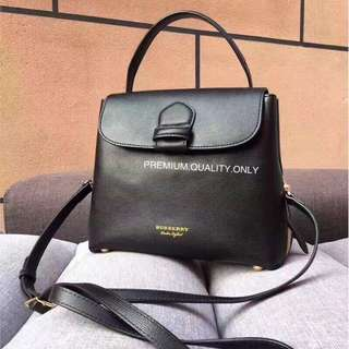 Burberry Leather House check Tote- black