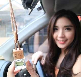 Botol parfum mobil