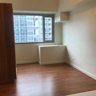 Eton Tower Makati, Studio-type Condo for Rent (Ref. Code CRD01809)
