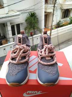 Sepatu Nike City Loop