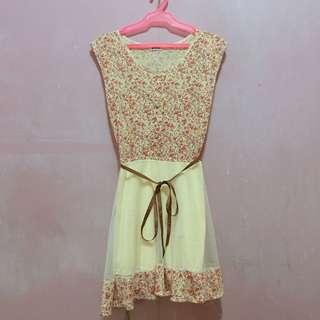 Sleevelss floral dress