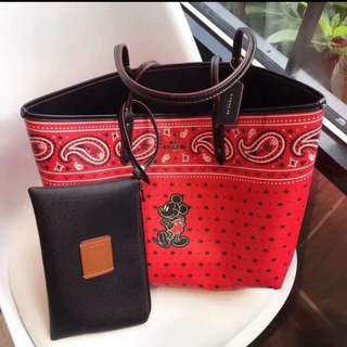 💝COACH Reversible Tote w/pouch💝
