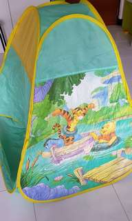Pooh tent (foldable) with plastic balls