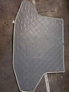 Toyota Prius 2 尾箱防水地氈
