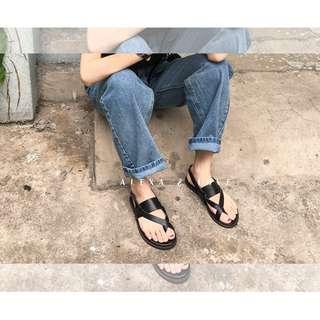 Alexa&Love 韓款黑色方頭交叉涼鞋(特)