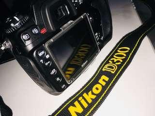 Nikon D300 - Pristine Condition