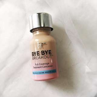 It Cosmetics Bye Bye Breakout Full Coverage Treatment Concealer