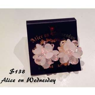 日本空運 Alice in Wednesday 花花耳環