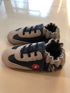 bnib robeez soft soles leather shoes for toddler