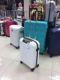 阿豪 意大利製造 Roncato 全新 Box-2 限量版 只有一個 特別色 20 吋 行李箱