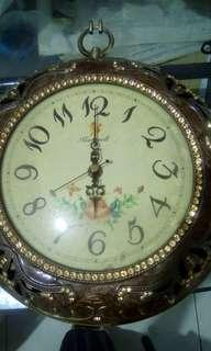 Jam klasik/antik