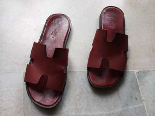 Original Hermes Izmir sandals. Bought new at Gardens KL RM2,600. Receipt has my name on it. Condition 6/10
