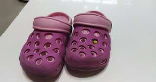 🚚 洞洞鞋,適合腳長13.5-15公分