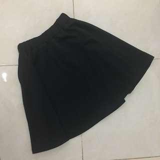 Flare skirt hitam