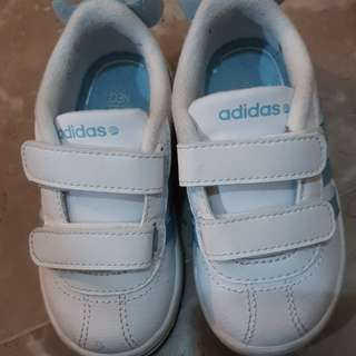 White adidas shoes (Authentic)