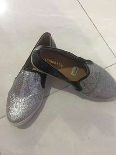 Thumps up shoes