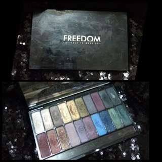 Eyeshadow pallete freedom