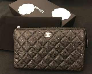 Chanel classic pouch - medium